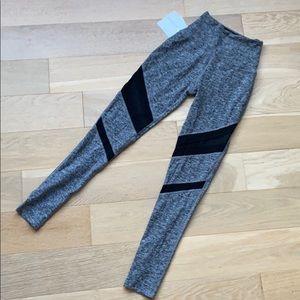 NWOT Beyond Yoga High Waisted Leggings